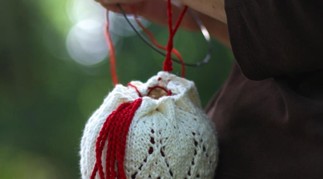 Sanguinaria yarn bag