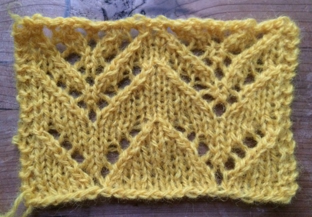An even better symmetrical knitted lace chevron.