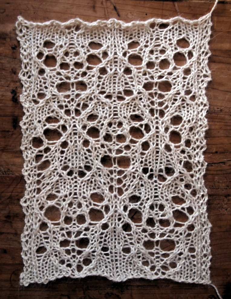 Hibernate: a free lace knitting stitch pattern   String Geekery