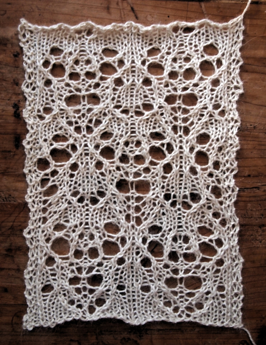 Knitting Stitches For Lace : Hibernate: a free lace knitting stitch pattern   String Geekery
