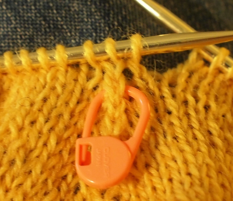 marking a double decrease with a locking stitch marker