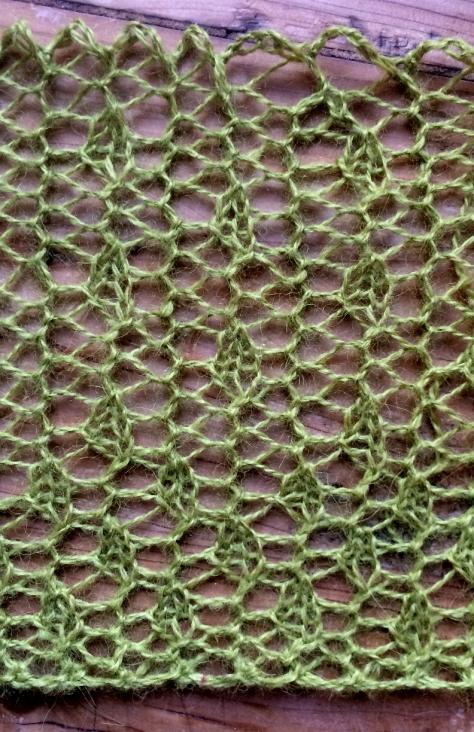 Bead curtains: two free lace knitting stitch patterns