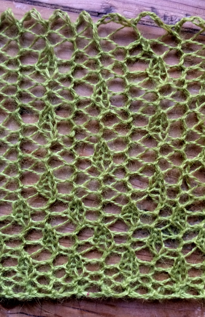 Bead curtains: two free lace knitting stitch patterns