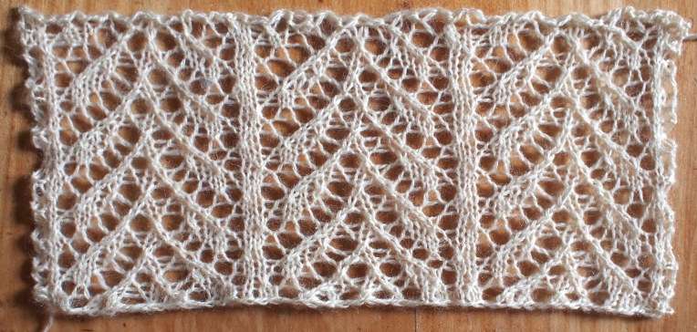 Snug: a free lace knitting stitch pattern