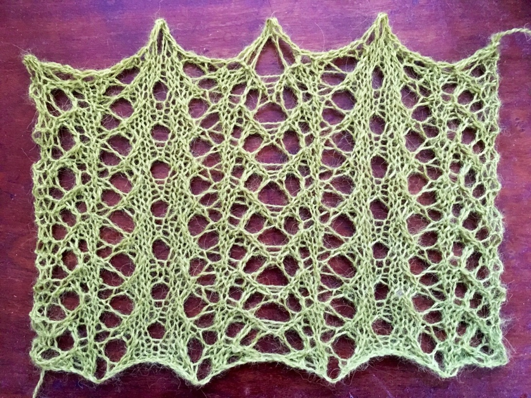 Green: a free lace knitting stitch pattern