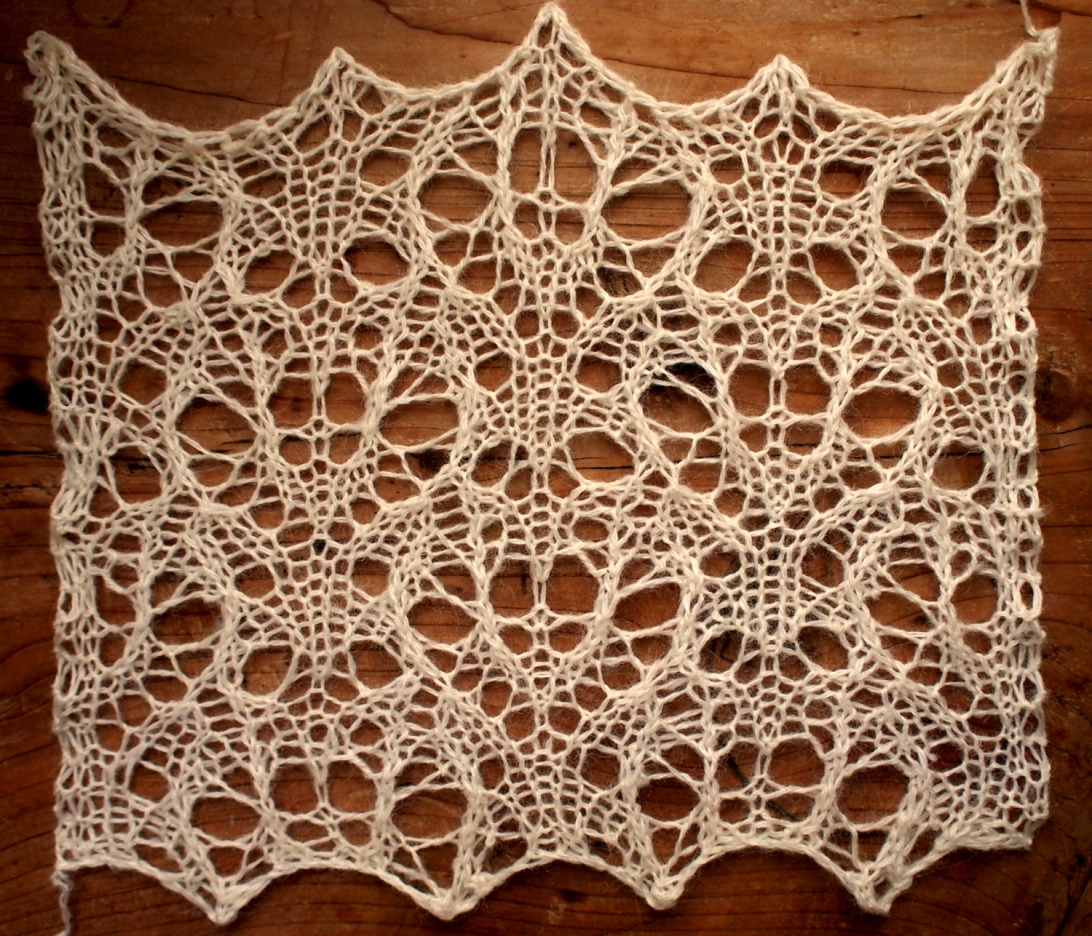 Paradise: a free lace knitting stitch pattern