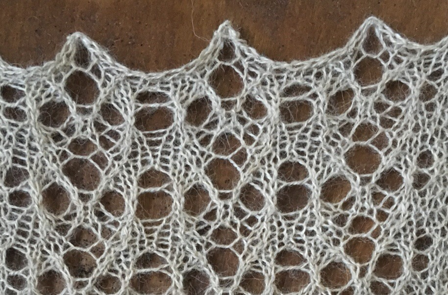 meta Lace: a free lace knitting stitch pattern
