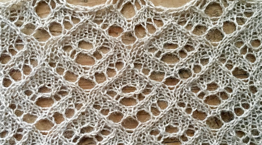 Semiramis: a free lace knitting stitch pattern, by Naomi Parkhurst