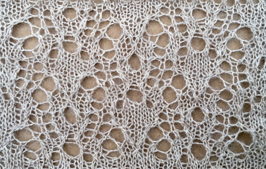 Bonifate: a free lace knitting stitch by Naomi Parkhurst