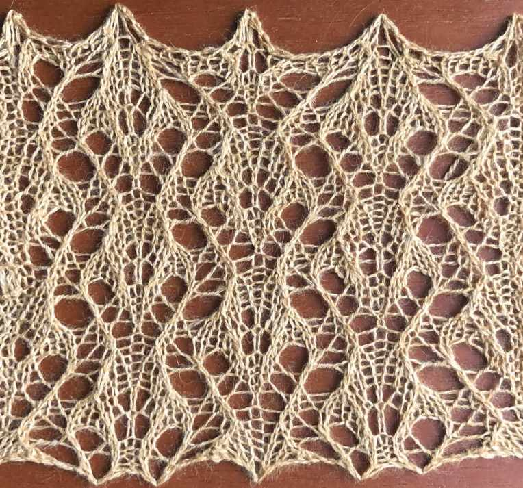 Heart: a free lace knitting stitch pattern (photo), by Naomi Parkhurst