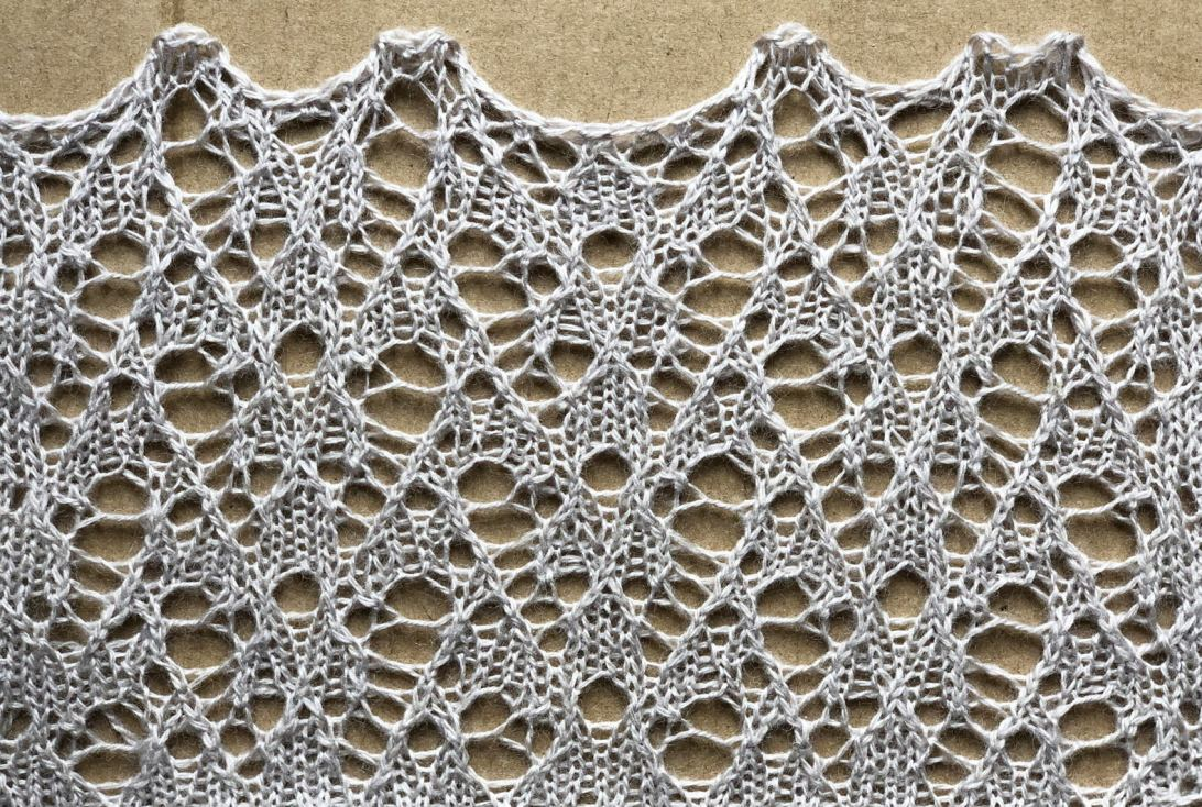 Pegasus: a free lace knitting stitch pattern, by Naomi Parkhurst