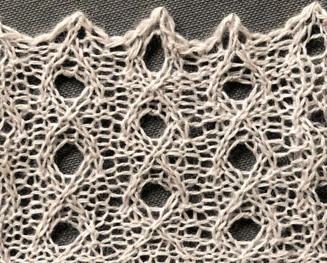 Candle Flames v2: a free cable/lace knitting stitch pattern