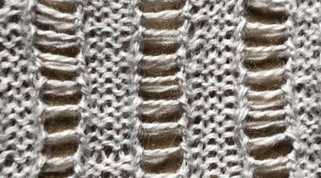 Railroad Tracks: a free lace knitting stitch pattern