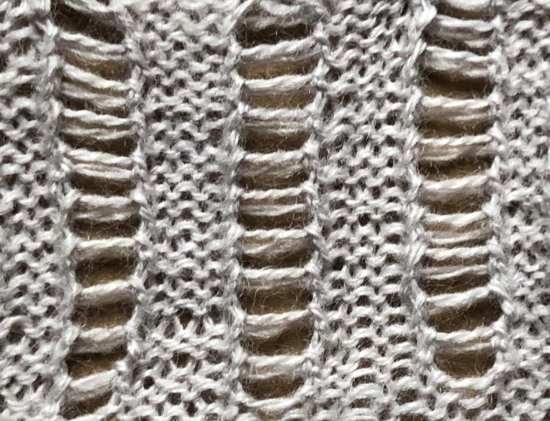Railroad Tracks: a free lace knitting stitch pattern