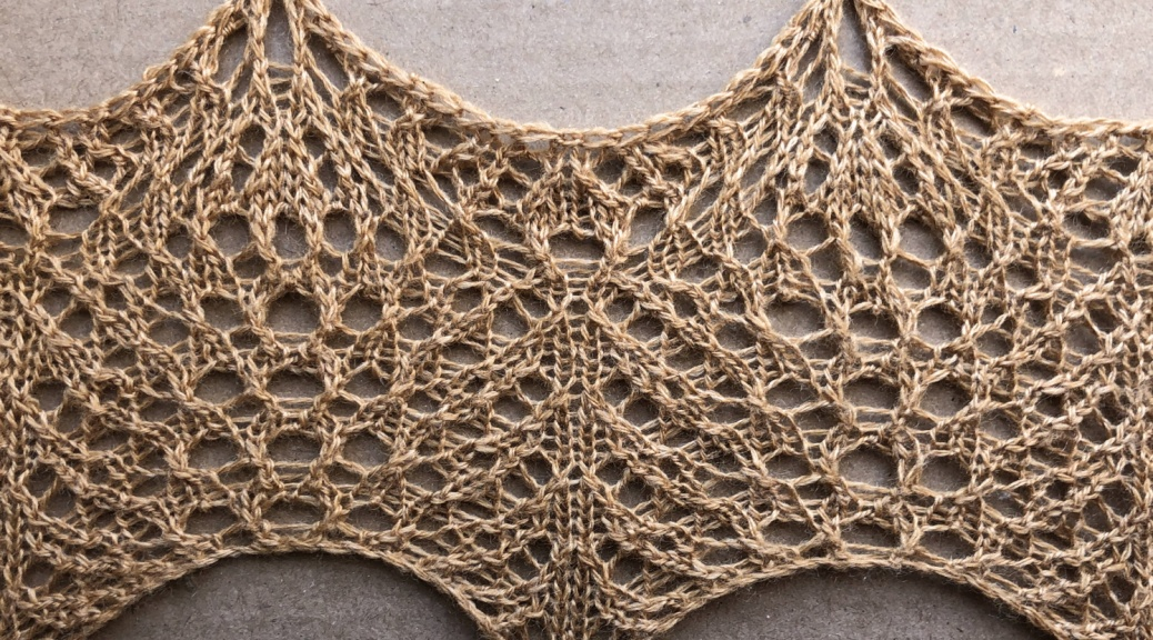 Light: a free lace knitting stitch pattern, by Naomi Parkhurst