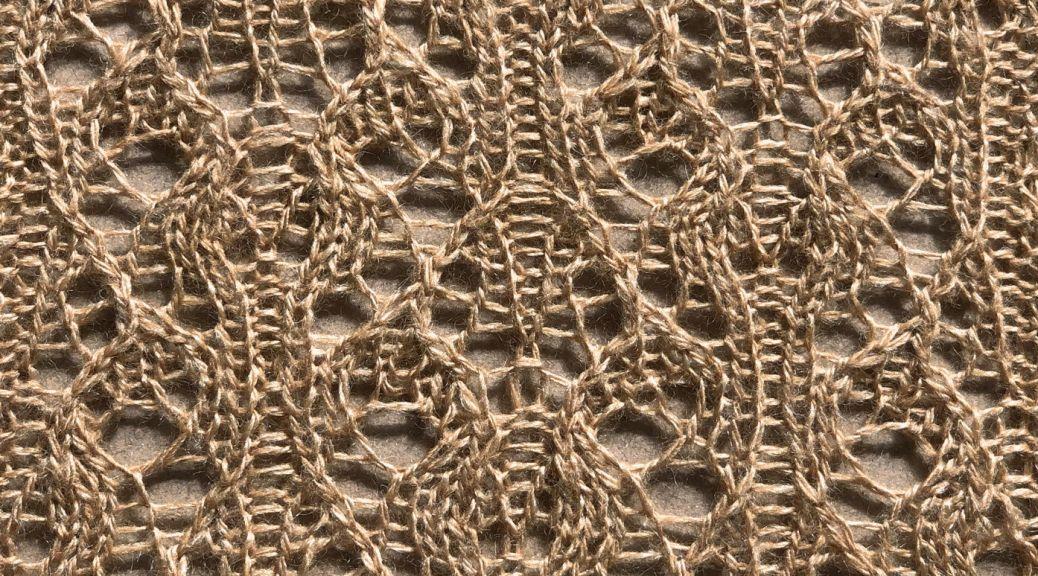 Frond: a free lace knitting stitch pattern, by Naomi Parkhurst