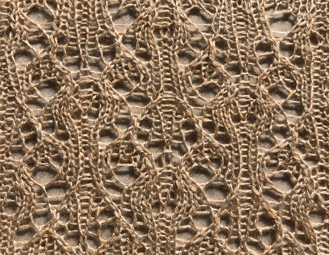Frond: a free lace knitting stitch pattern, by Naomi Parkhurst