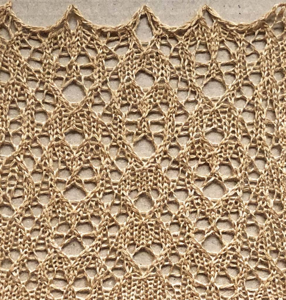 Burst: a free lace knitting stitch pattern, by Naomi Parkhurst