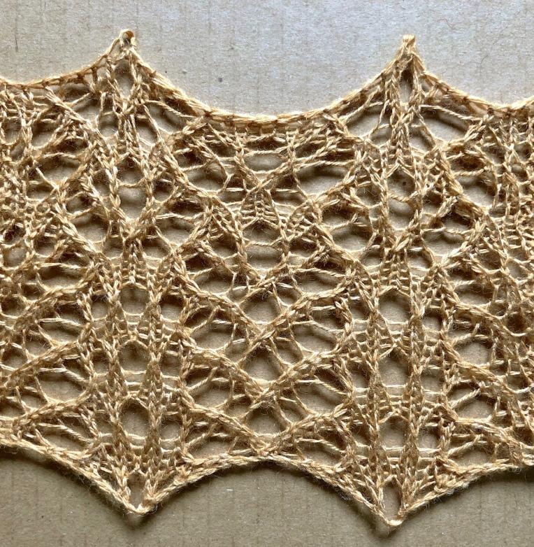 Bees: a lace knitting stitch pattern, by Naomi Parkhurst