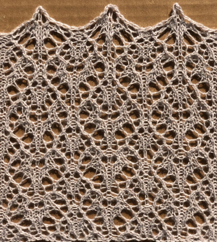 Bergamot: a free lace knitting stitch pattern, by Naomi Parkhurst
