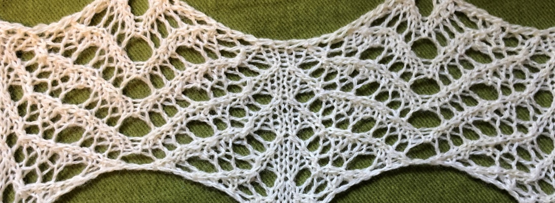 Oolong: a free lace knitting stitch pattern, by Naomi Parkhurst (photo of lace)