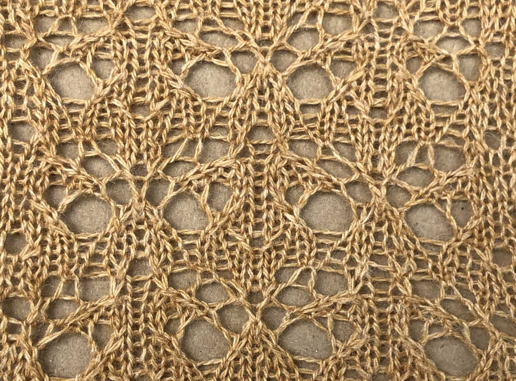 knitted sample of Idyll lace